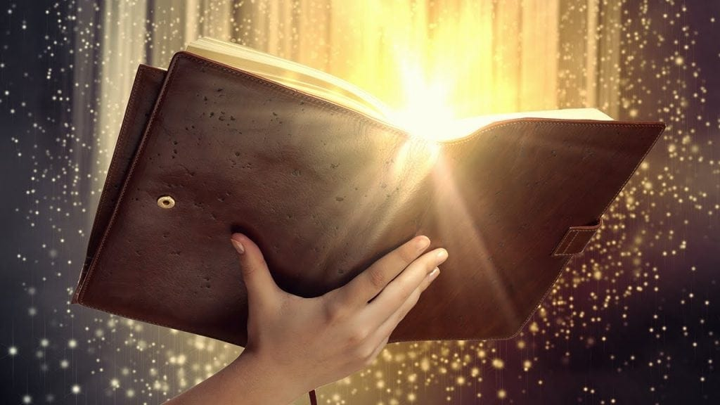Aprinderea lumanarilor colorate si citirea psalmilor