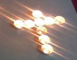 Rugaciunea cu cele 9 Lumanari in forma de cruce